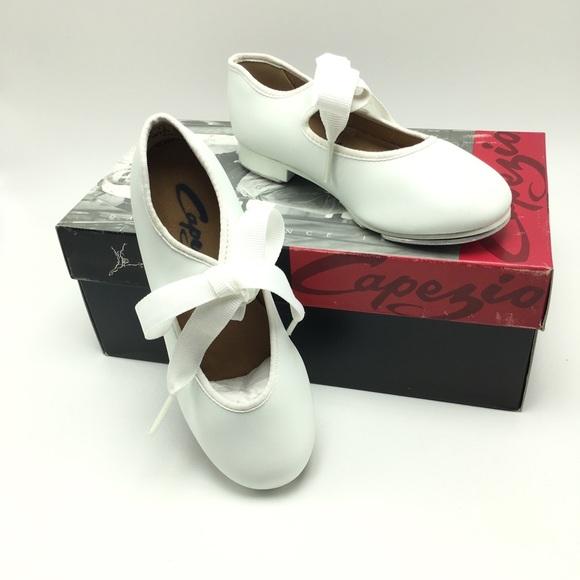 Style 625 Tan Tap Shoe Capezio Junior Tyette Tap Shoe women sizing